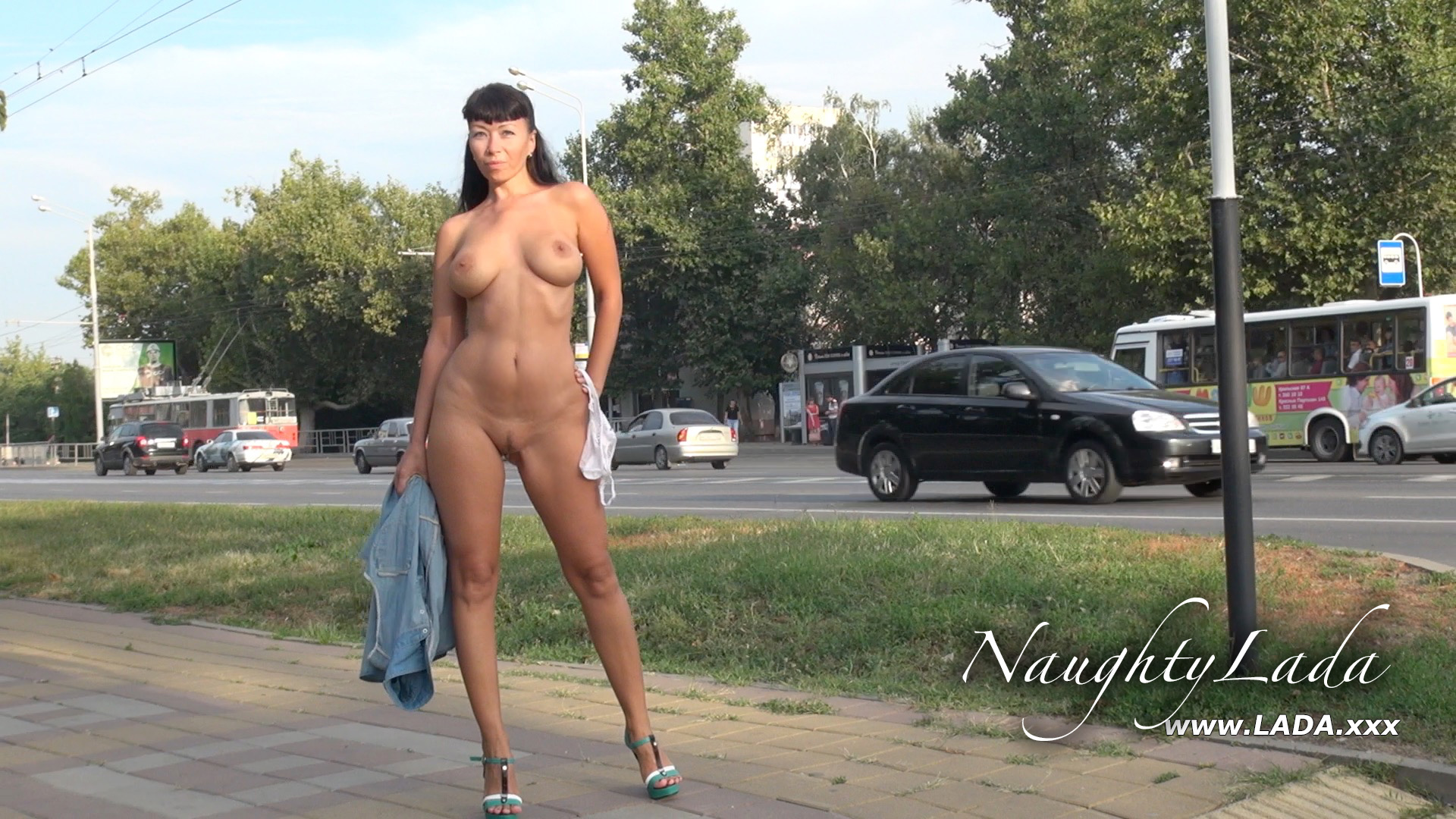 Around in milfs walking public nude